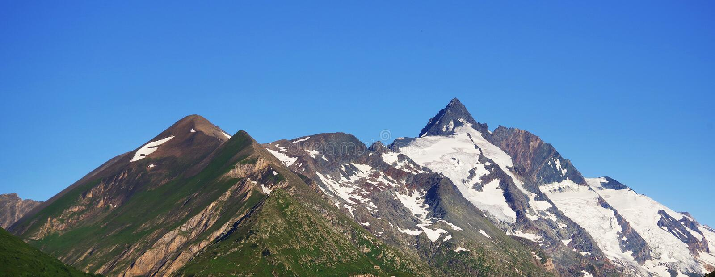 Paisaje alpino del verano en el parque nacional Hohe Tauern Panorama de las montan@as imagen de archivo