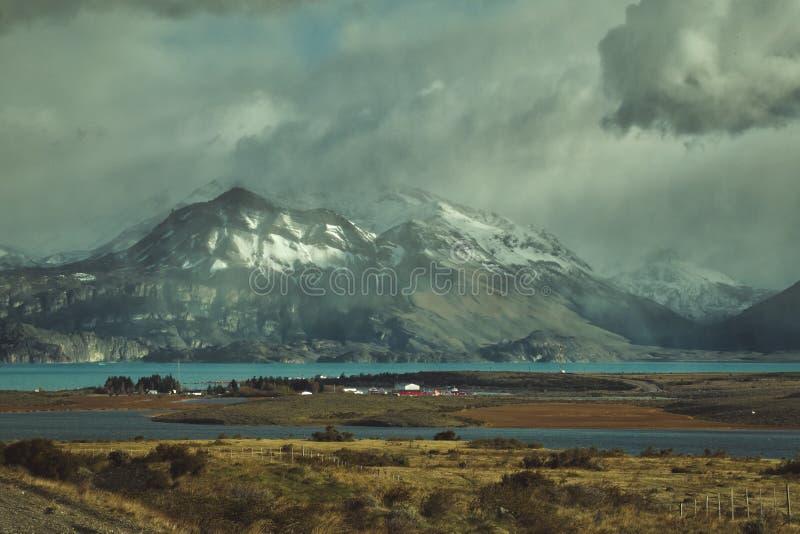 Paisaje argentino atmosférico de la montaña imagen de archivo