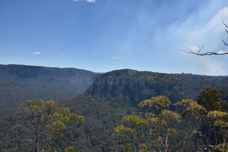 Paisaje azul del parque nacional de las montañas, NSW, Australia fotografía de archivo