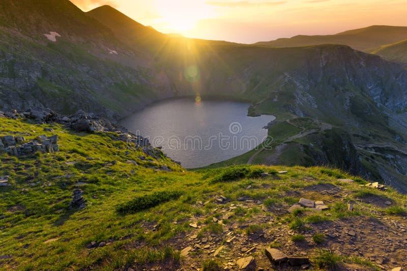 Paisaje búlgaro de las montañas fotografía de archivo libre de regalías