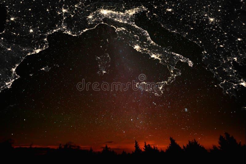 Paisaje con constelaciones italianas del mapa imágenes de archivo libres de regalías