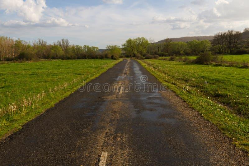 Download Paisaje Con El Camino Secundario Foto de archivo - Imagen de cubo, verde: 41910742