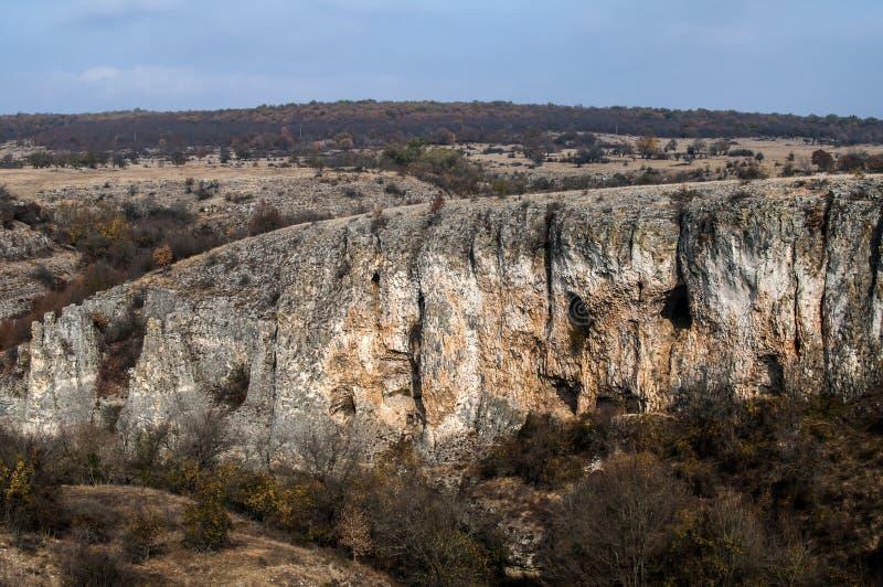 Paisaje con formaciones de roca interesantes fotos de archivo libres de regalías