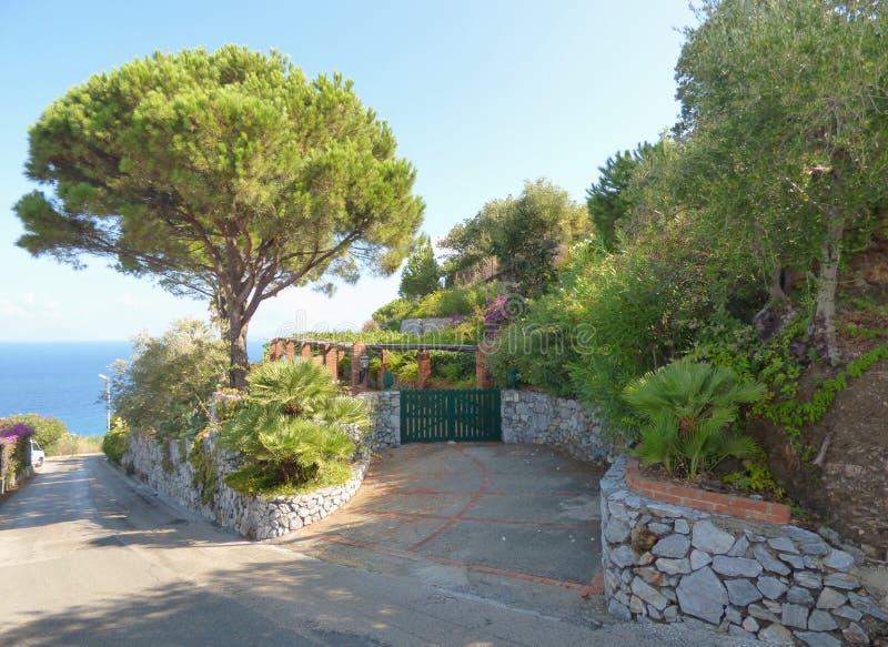 Paisaje de Gioiosa Marea en Sicilia fotos de archivo