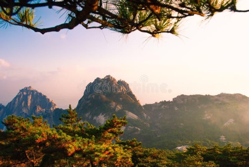 Paisaje de Huangshan del soporte de China imagenes de archivo