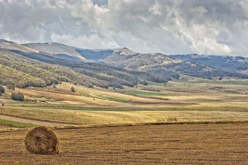 Download Paisaje De Italia De La Umbra De Castelluccio Foto de archivo - Imagen de campo, nuevo: 41902036