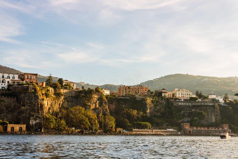 Paisaje de la costa de Sorrento, Italia imagenes de archivo