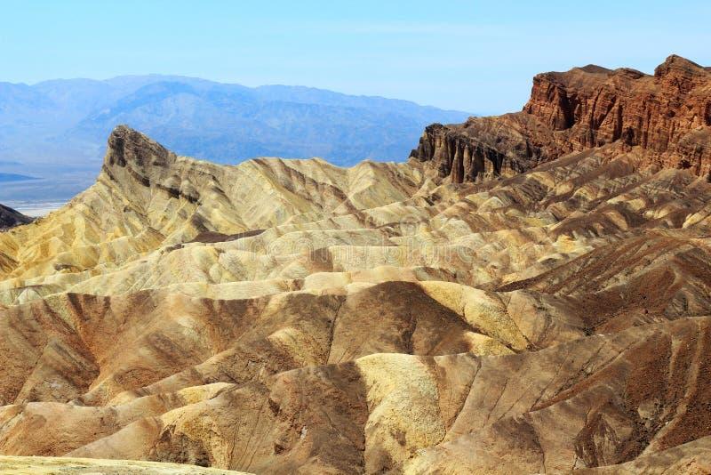 Paisaje de la erosión en el punto de Zabriskie, parque nacional de Death Valley, California fotos de archivo libres de regalías