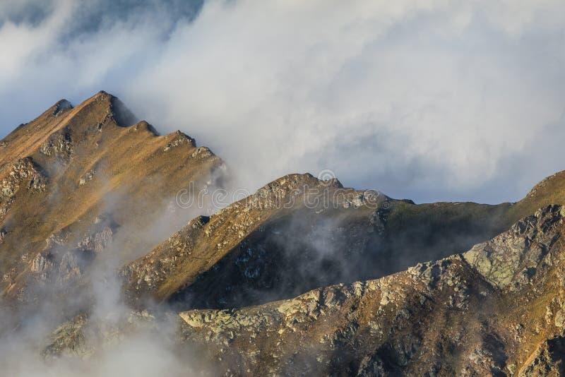 Download Paisaje de la montaña imagen de archivo. Imagen de alto - 44853247