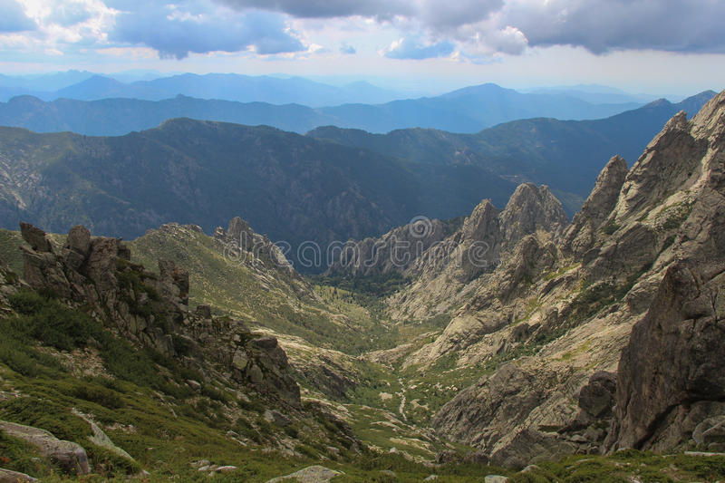 Paisaje de la montaña, Corse, Francia foto de archivo libre de regalías