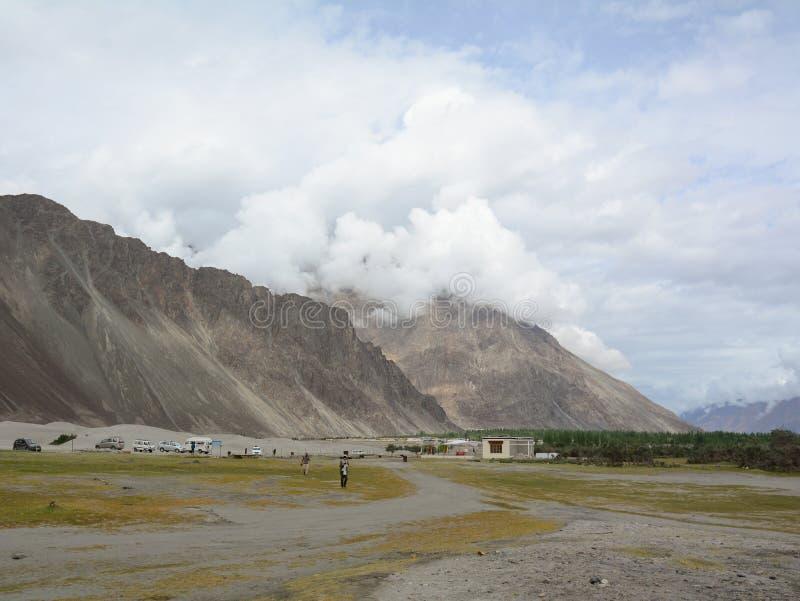 Paisaje de la montaña de Ladakh, la India imagen de archivo libre de regalías