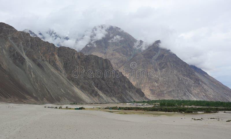 Paisaje de la montaña de Ladakh, la India foto de archivo
