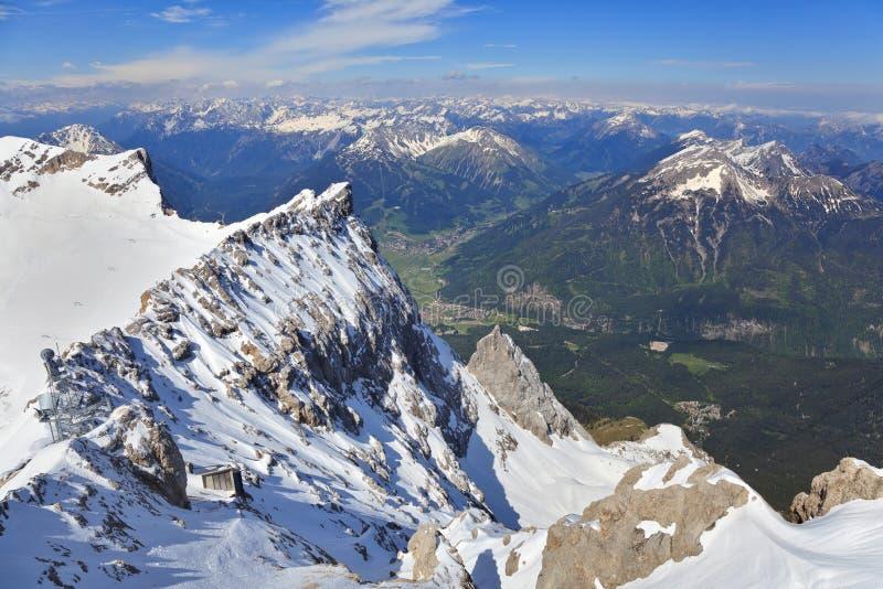 Paisaje de la montaña de las montañas imagen de archivo