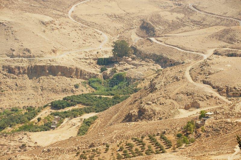 Paisaje de la montaña del desierto visto del soporte Nebo, Jordania fotografía de archivo libre de regalías