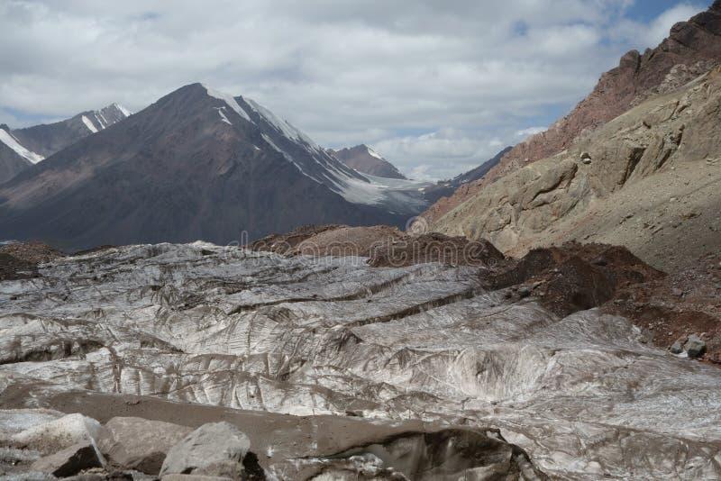 Paisaje de la montaña. El tejado del mundo imagen de archivo libre de regalías