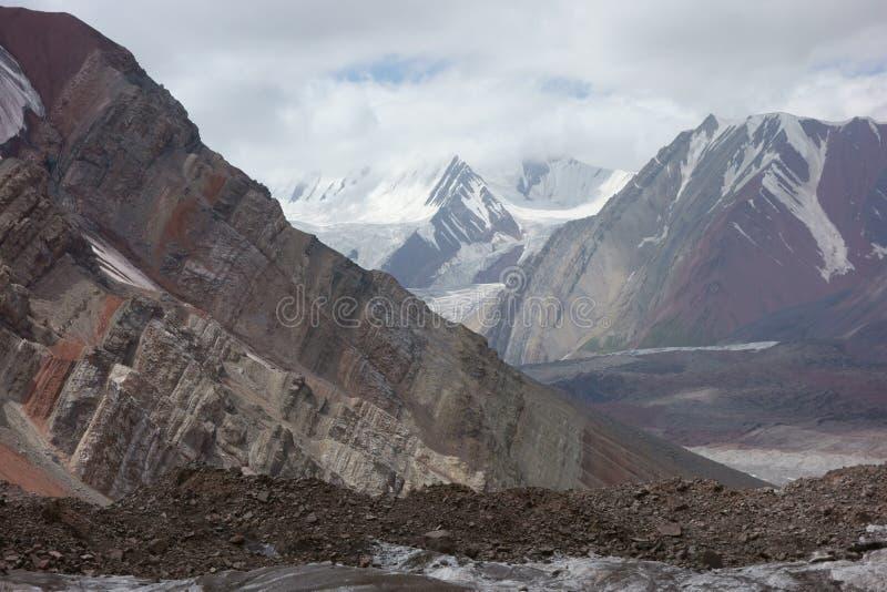 Paisaje de la montaña. El tejado del mundo foto de archivo