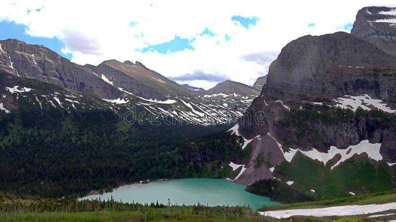 Paisaje de la naturaleza de los lagos y de los Parques Nacionales Glacier Waterton imagen de archivo