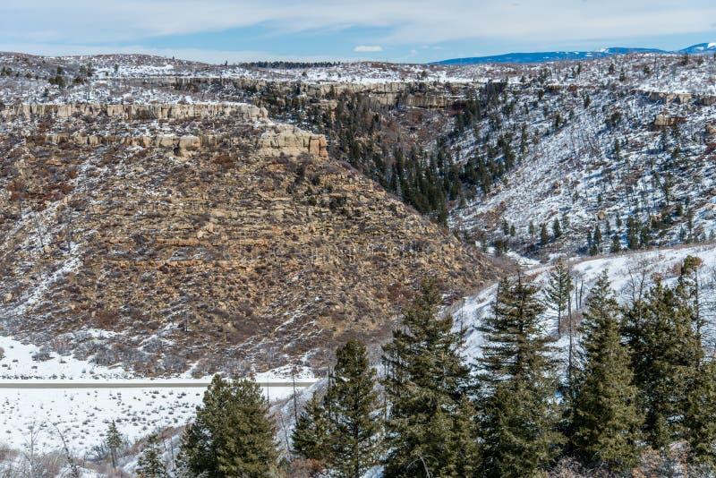 Paisaje de la nieve del invierno de la montaña del desierto del parque nacional del verde del Mesa imagenes de archivo
