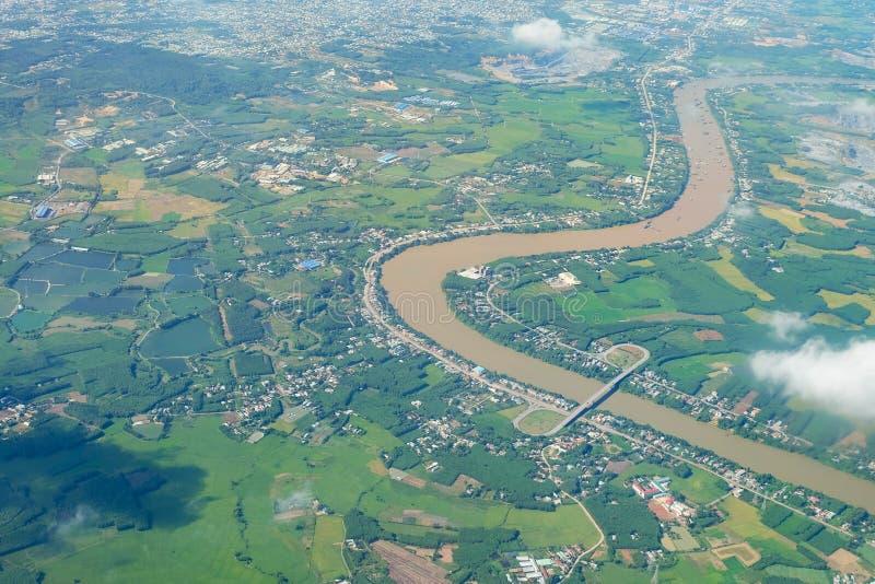 Paisaje de la opinión aérea del cielo de las tierras de labrantío imagen de archivo