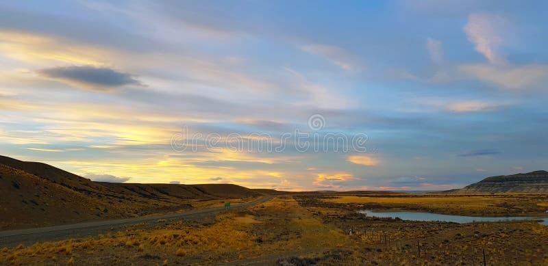 Paisaje de la Patagonia de Argentina a lo largo del Ruta 40 cerca del EL Calafate imágenes de archivo libres de regalías
