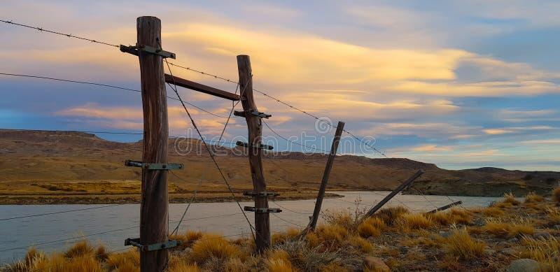 Paisaje de la Patagonia de Argentina a lo largo del Ruta 40 cerca del EL Calafate imagen de archivo libre de regalías