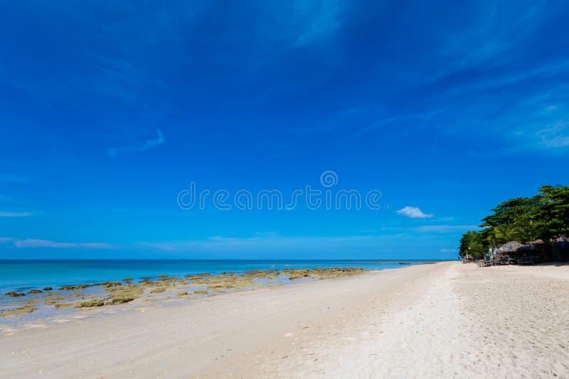 Paisaje de la playa de Koh Lanta Klong Khong fotografía de archivo libre de regalías