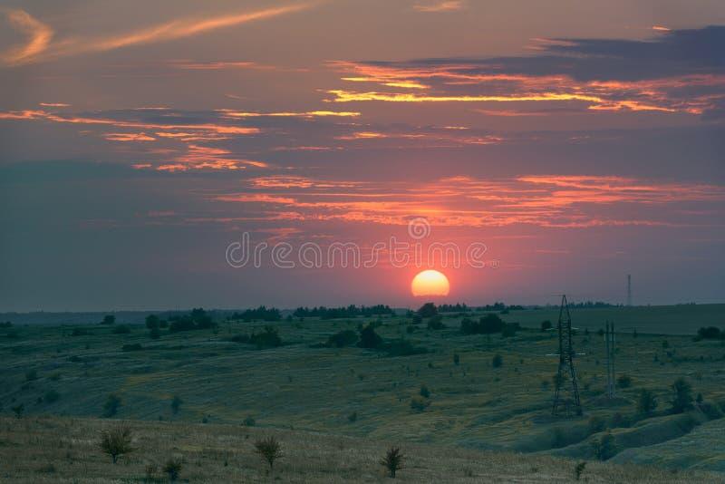 Paisaje de la puesta del sol Puesta del sol en la puesta del sol fotografía de archivo libre de regalías