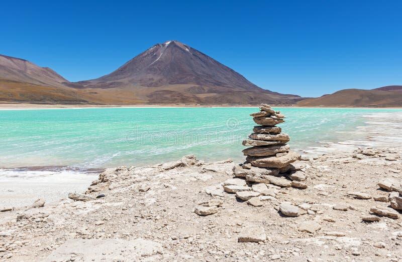 Paisaje de Laguna Verde en Bolivia imágenes de archivo libres de regalías