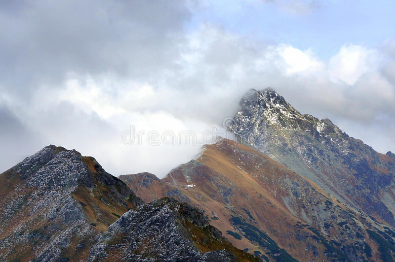 Paisaje de las altas montañas de Tatras, Polonia imagen de archivo libre de regalías