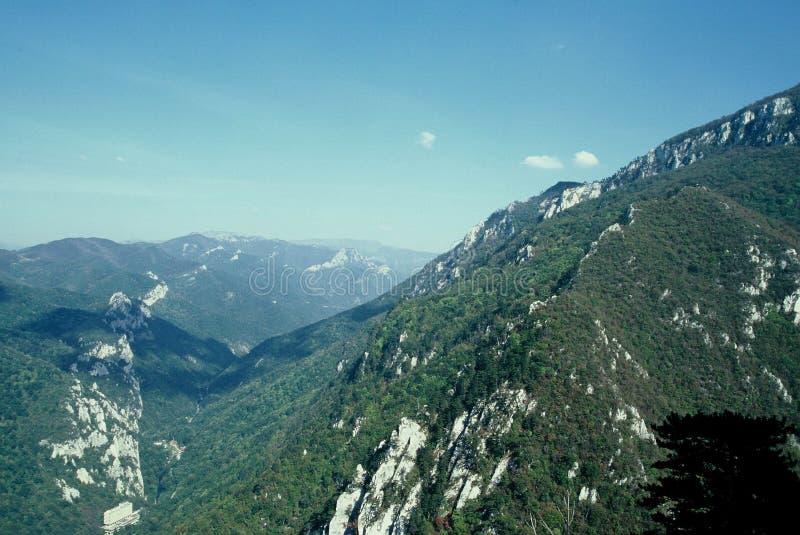 Paisaje de las montañas fotografía de archivo