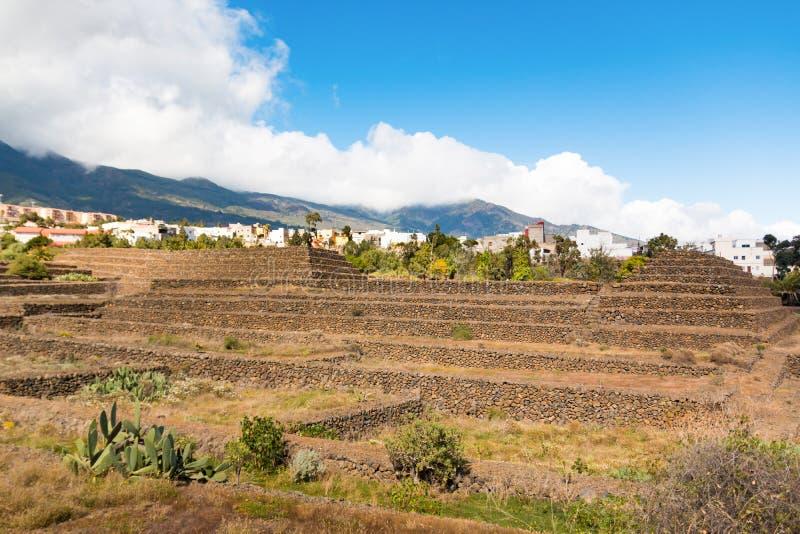 Paisaje de las pirámides de Guimar en Tenerife, islas Canarias imagenes de archivo