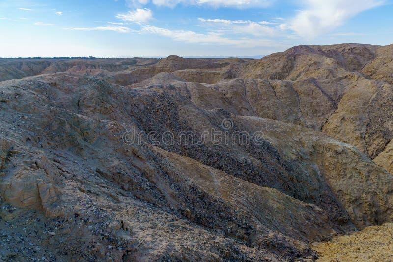 Paisaje de las rocas lissan de la marga a lo largo del camino de la paz de Arava fotos de archivo