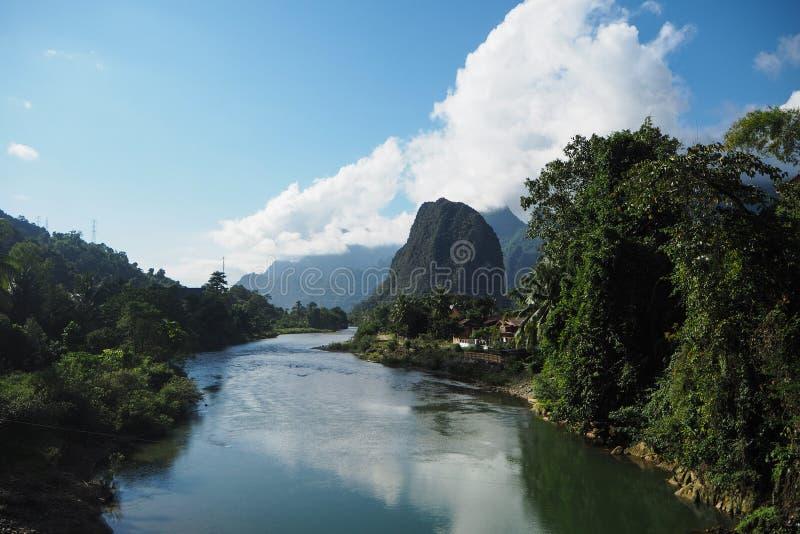 Paisaje de Nam Song River foto de archivo libre de regalías