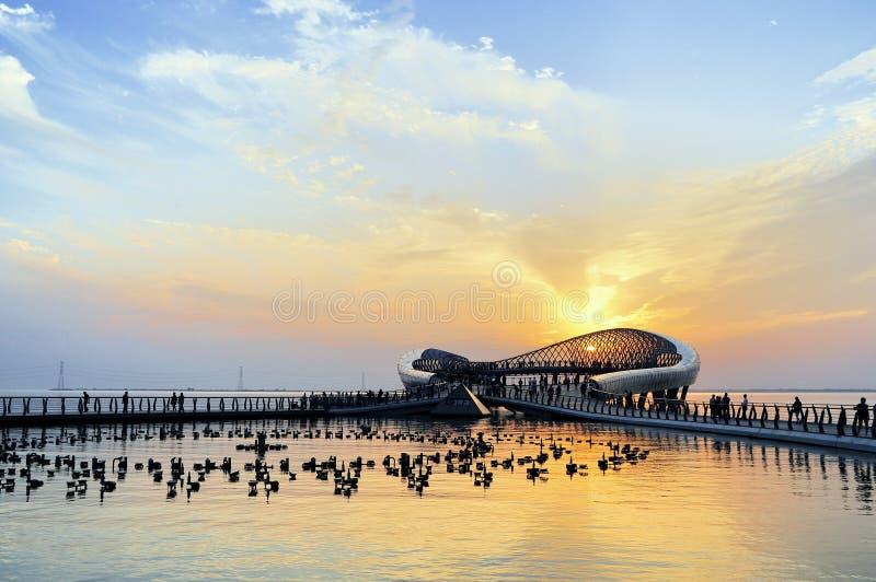 Paisaje de Suzhou - plataforma del lago de la lectura imágenes de archivo libres de regalías
