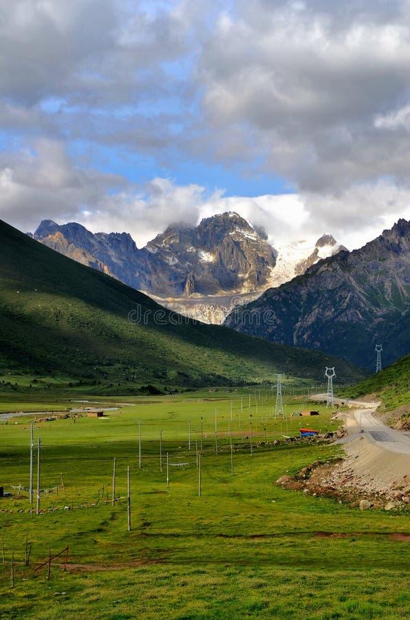 Paisaje de Tíbet, China foto de archivo