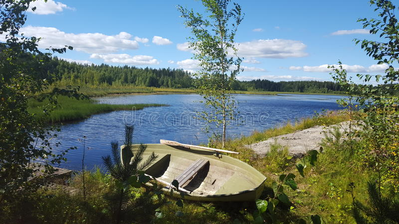 Paisaje del barco del lago foto de archivo
