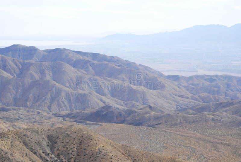 Paisaje del desierto de la monta?a en Joshua Tree National Park foto de archivo libre de regalías