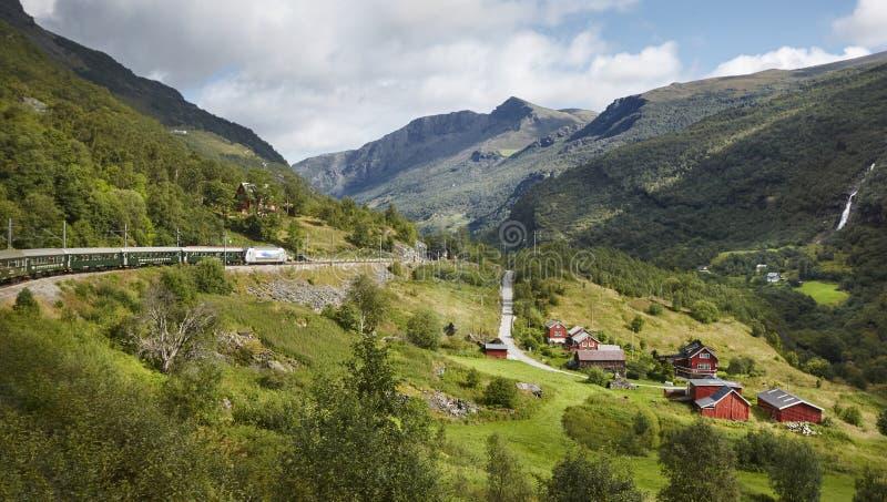Paisaje del ferrocarril de Flam Punto culminante noruego del turismo Tierra de Noruega fotos de archivo