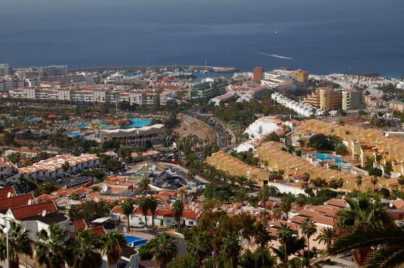 Paisaje del hotel con el océano fotos de archivo