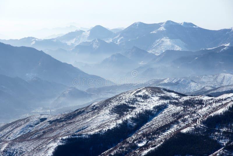 Paisaje del invierno de Wutaishan imagenes de archivo