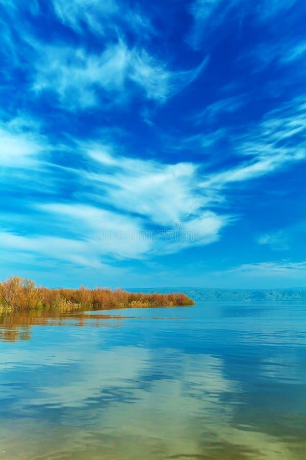 Paisaje del lago Kinneret - mar de Galilea fotos de archivo libres de regalías
