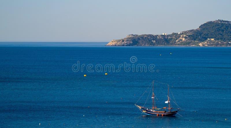 Download Paisaje Del Mar Y Yate Antiguo Foto de archivo - Imagen de cielo, color: 100531946