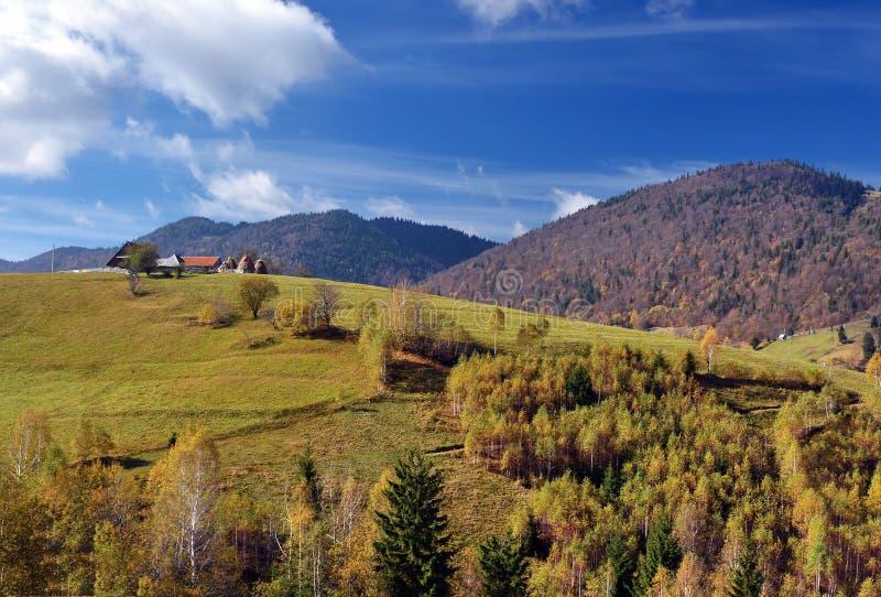 Paisaje del otoño en Rumania imágenes de archivo libres de regalías