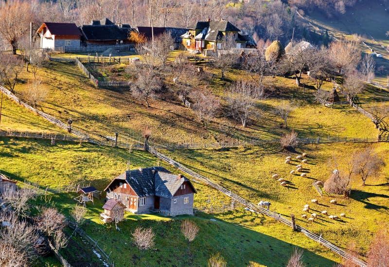 Paisaje del otoño en Rumania foto de archivo