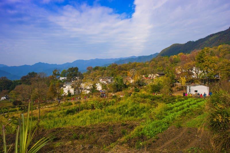 Paisaje del otoño del pueblo del hongcun, condado yixian, huangshan, Anhui fotos de archivo