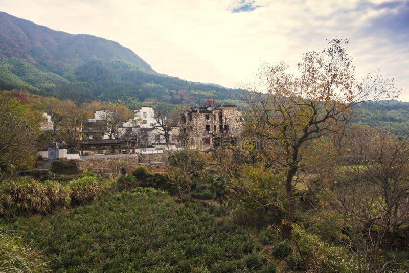 Paisaje del otoño del pueblo del hongcun, condado yixian, huangshan, Anhui imagen de archivo libre de regalías