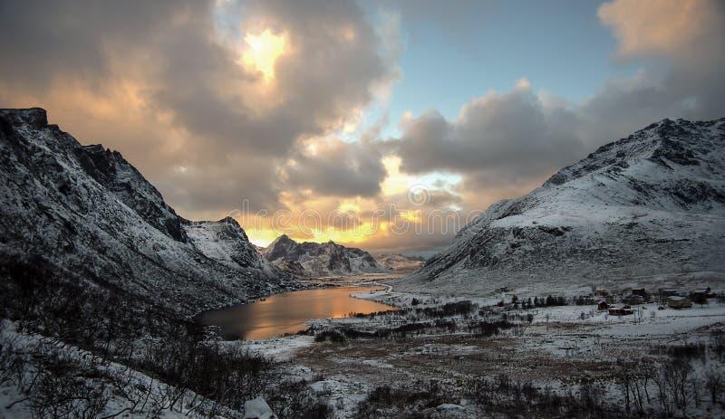 Paisaje del otoño, Vareid, Flakstad, Lofoten, Nordland, Noruega fotos de archivo