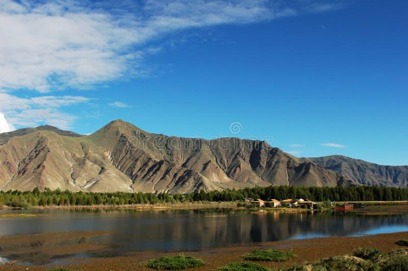 Paisaje del río de Lhasa imagen de archivo libre de regalías