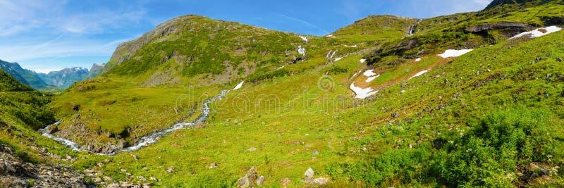 Paisaje del valle de Geiranger cerca de la montaña de Dalsnibba, Noruega imágenes de archivo libres de regalías