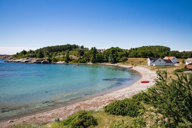 Paisaje del verano de Serene Scandinavian imágenes de archivo libres de regalías